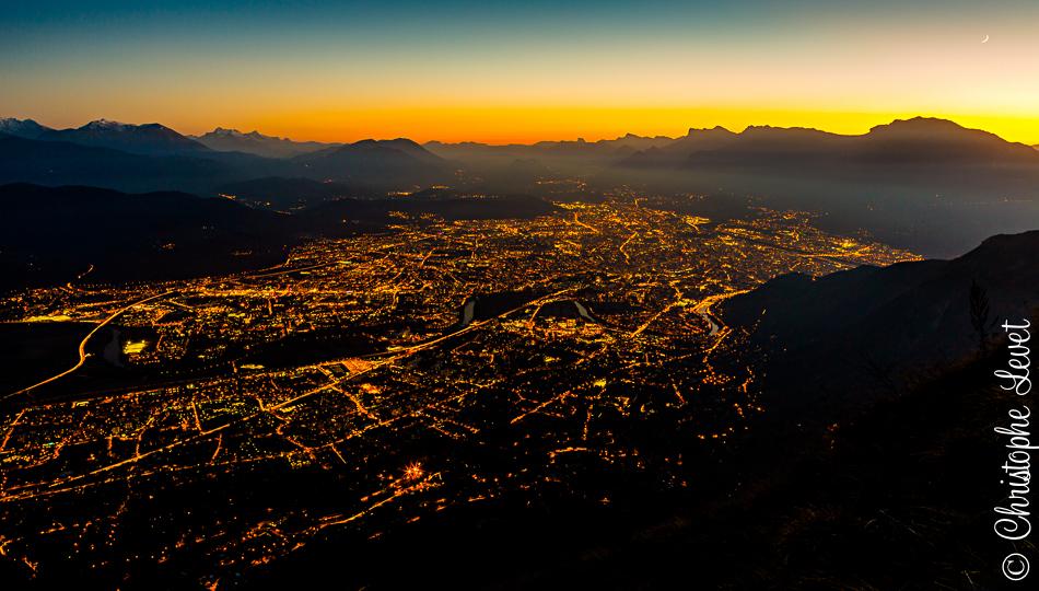 Photographie de Grenoble et son agglomération de Nuit réalisée par le photographe Christophe Levet