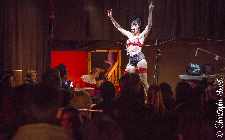 Performance Burlesque avec X-Tatix Doll ©www.levetchristophe.fr