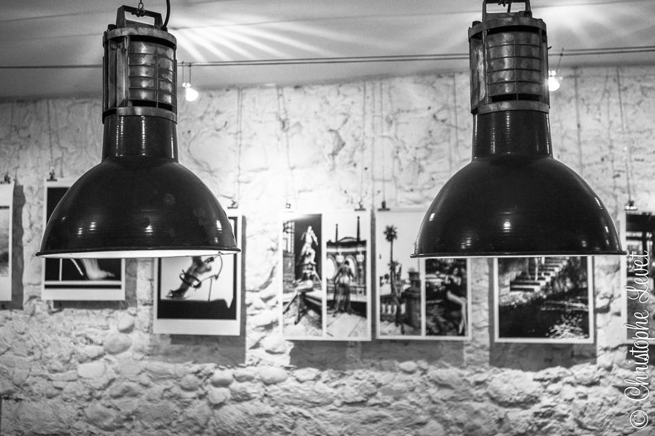 Exp Helmut Newton et mobilier vintage ©www.levetchristophe.fr