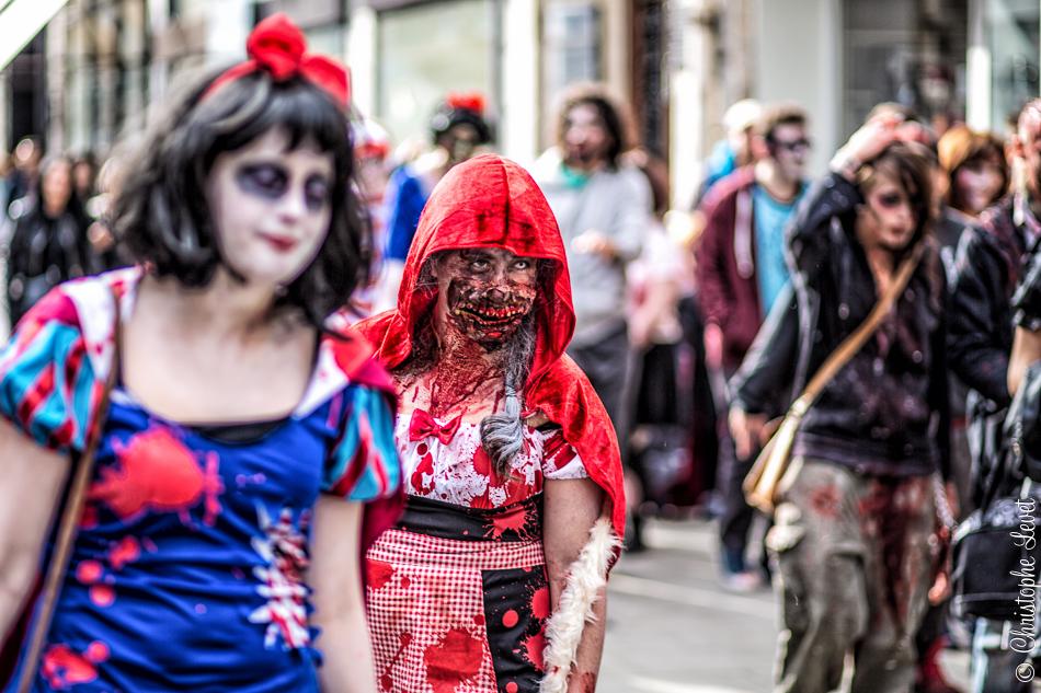 Blanche Neige et le Chaperon Rouge zombie